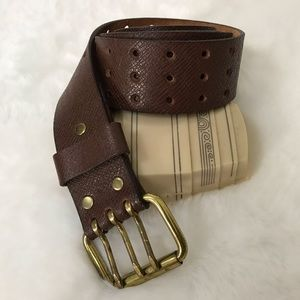Vintage • 1970s Three Prong Brown Leather Belt
